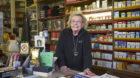Verzaubert seit 41 Jahren Basel: Susi Blum in ihrem Zauberlädeli.
