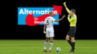 Die Bundesliga kennt keine Rote Karte für AfD-Wähler.