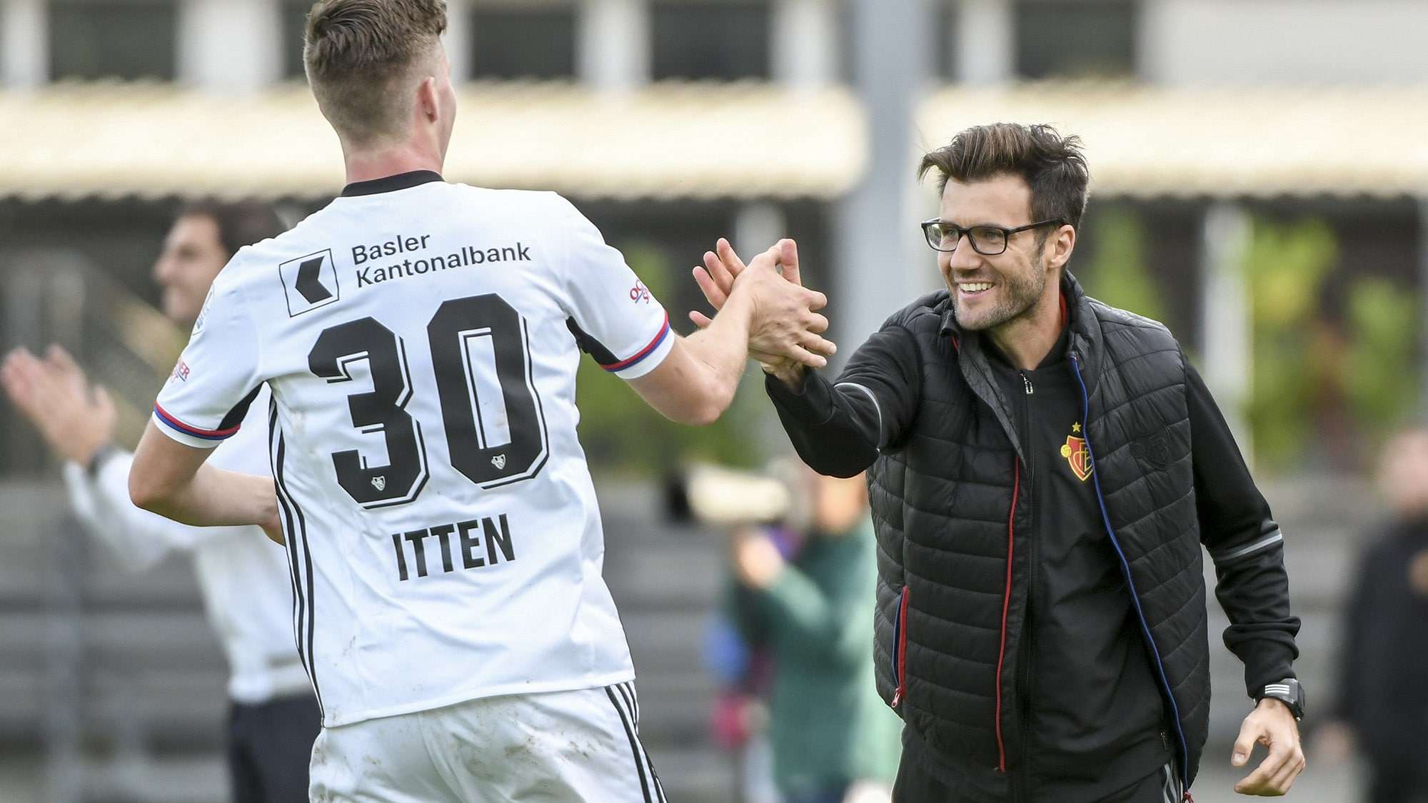 17.09.2017; Chiasso; FUSSBALL SCHWEIZER CUP - FC Chiasso - FC Basel;Cedric Itten (Basel) Trainer Raphael Wicky (Basel) Jubel