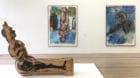 Blick in die Ausstellungsräume der Fondation Beyeler, wo sogar Monets Seerosenheiligtum den Baselitz-Werken weichen musste.