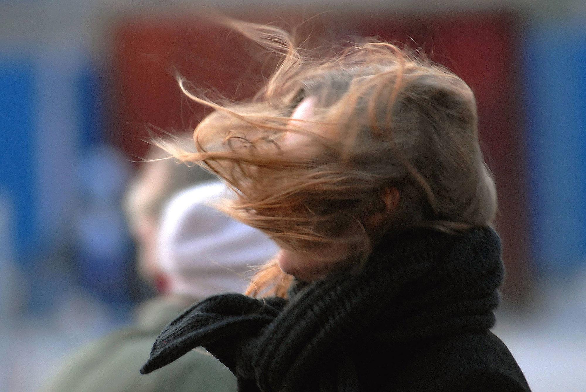 Sturmboeen, Regen und Temperaturrueckgang am Wochenende angekuendigt. *** Sturmboeen Rain and at Weekend angekuendigt