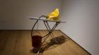 «Baudrichard's Extasy» von Hans Haacke lässt Duchamps «Fountain» wirklich Fountain sein.