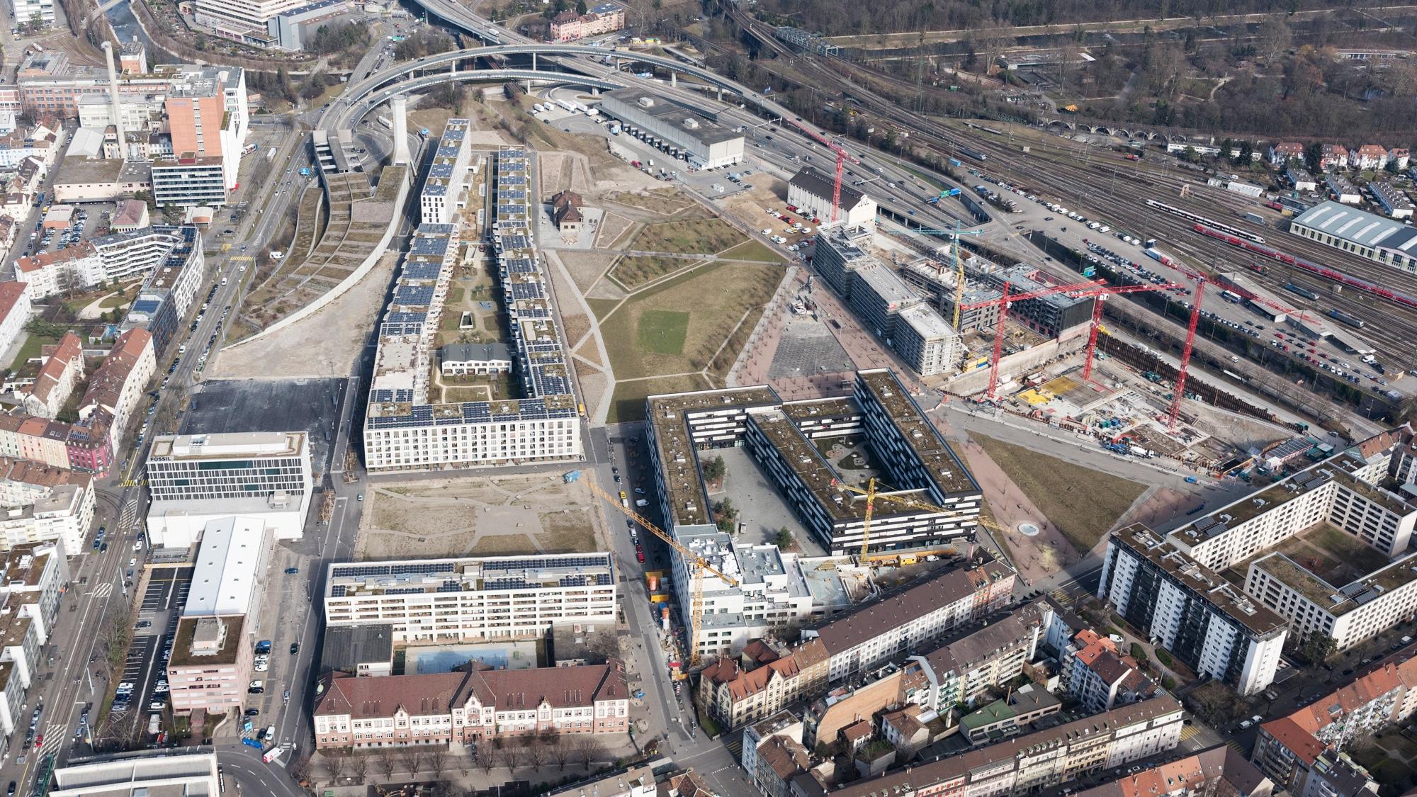 Auf dem Erlenmatt-Areal sind 1400 Wohnungen geplant. Rund die Hälfte davon ist realisiert.