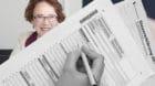 Eva Herzog bedankt sich mit Briefen bei den Steuerzahlern – was dieses Jahr nicht alle Basler Bürger freut.