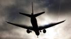 Bildnummer: 54885008  Datum: 12.09.2010  Copyright: imago/Mario AurichLandung einer Boeing 777 bei tief h‰ngenden Wolken i