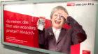 Man greift sich an den Kopf –über die Art, wie SBB Senioren anspricht.