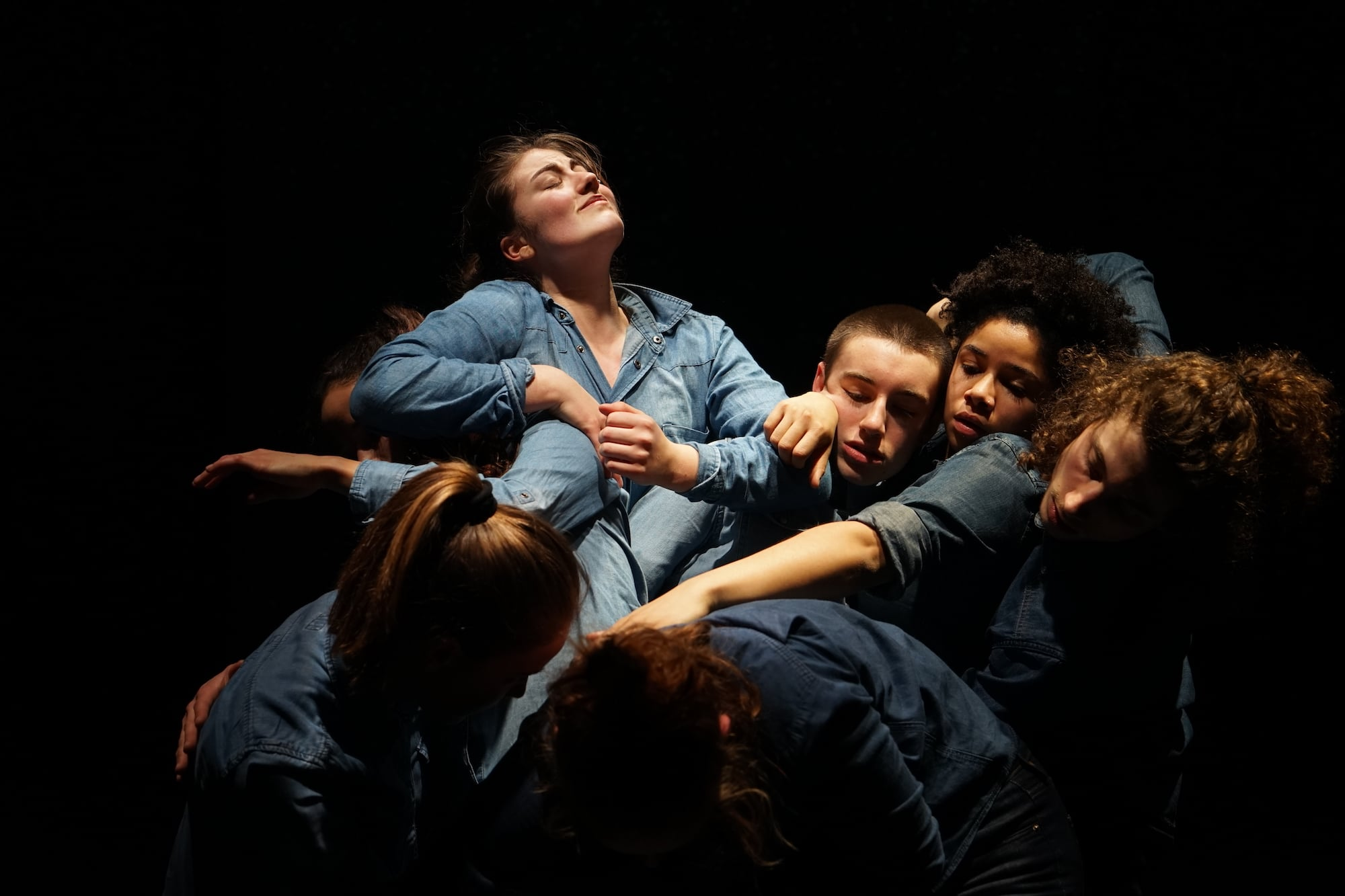 Kampf aus dem Gruppenknäuel: «What We Are Looking For» im Jungen Theater Basel.