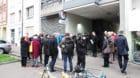 So viele Menschen befinden sich frühmorgens nie vor dem Bordell an der Amerbachstrasse.