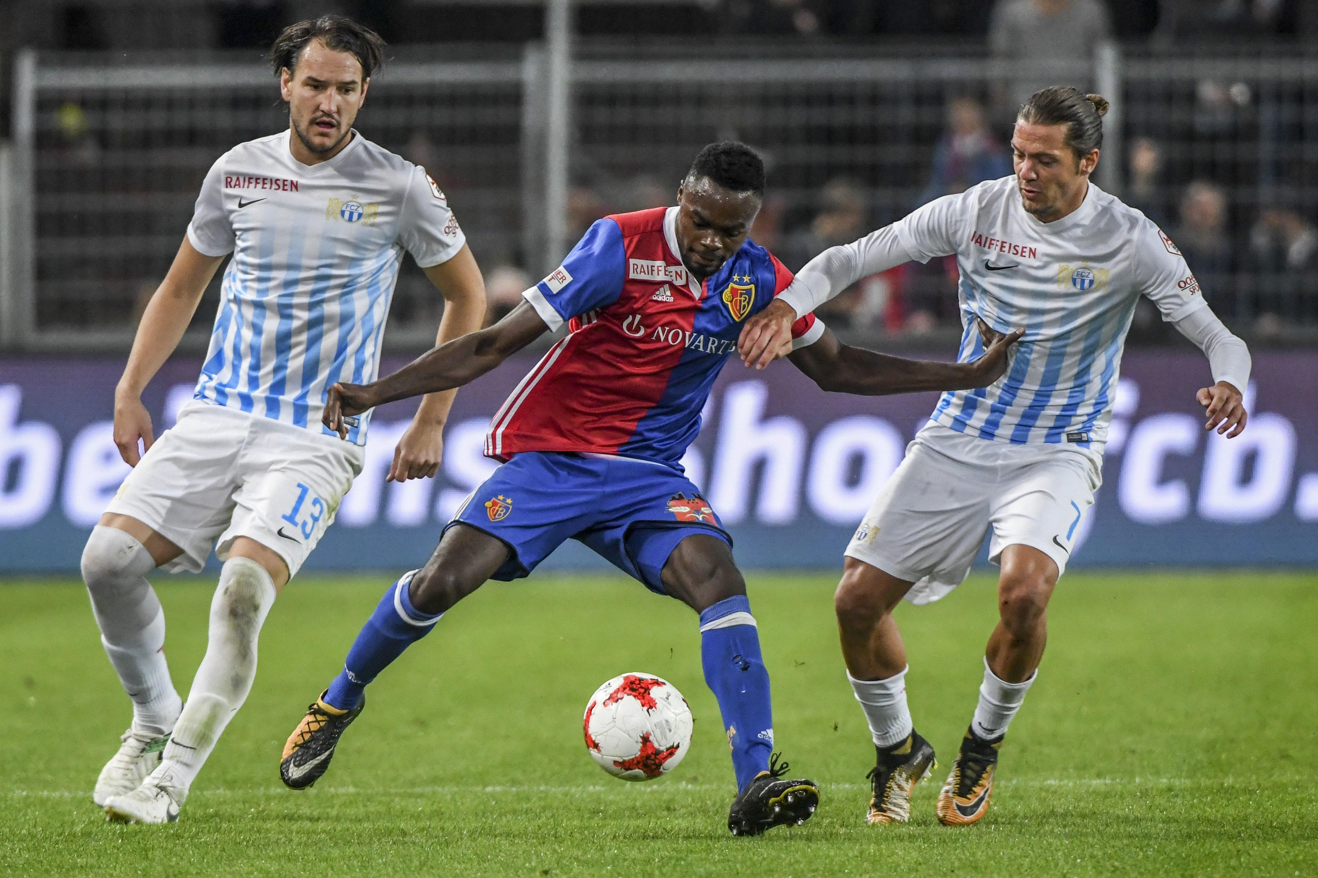 23.09.2017; Basel; FUSSBALL SUPER LEAGUE - FC Basel - FC Zuerich;Alain Nef (Zuerich) Dimitri Oberlin (Basel) Adrian Winter (