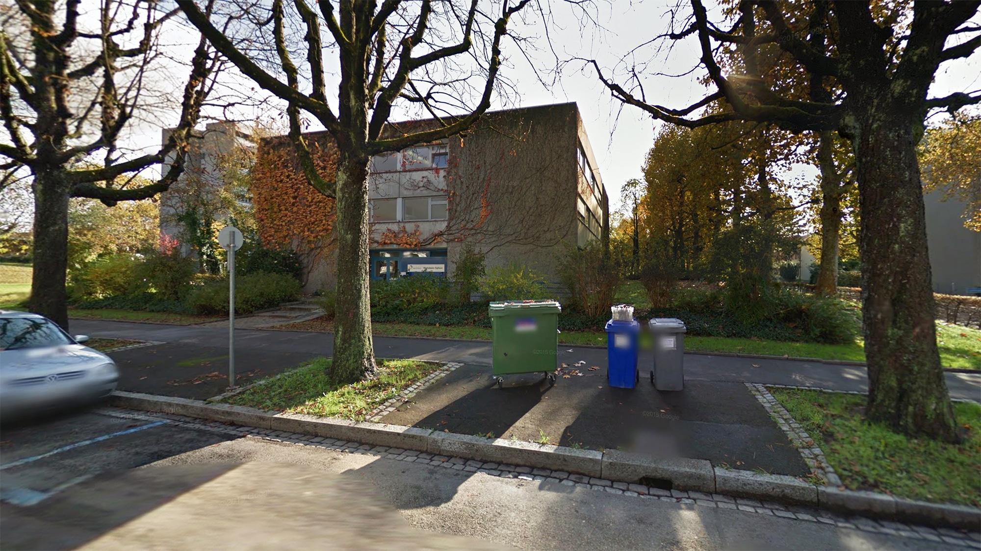 Gehört jetzt dem Kanton: Die Liegenschaft an der Egliseestrasse 60 war öffentlich zum Kauf ausgeschrieben.
