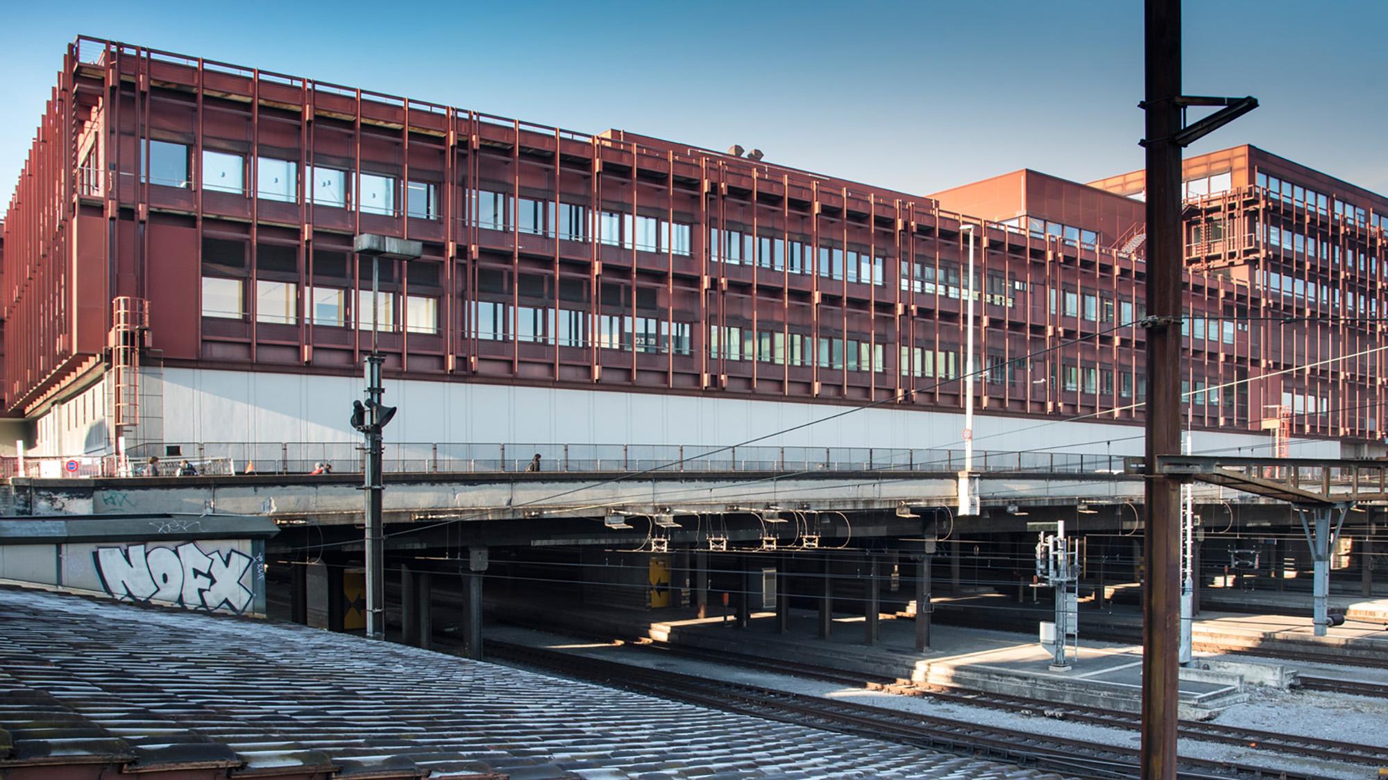 Weckt bei den Architekten Christ & Gantenbein nostalgische Sehnsüchte: Das Postreitergebäude aus den 1970er-Jahren beim Bah
