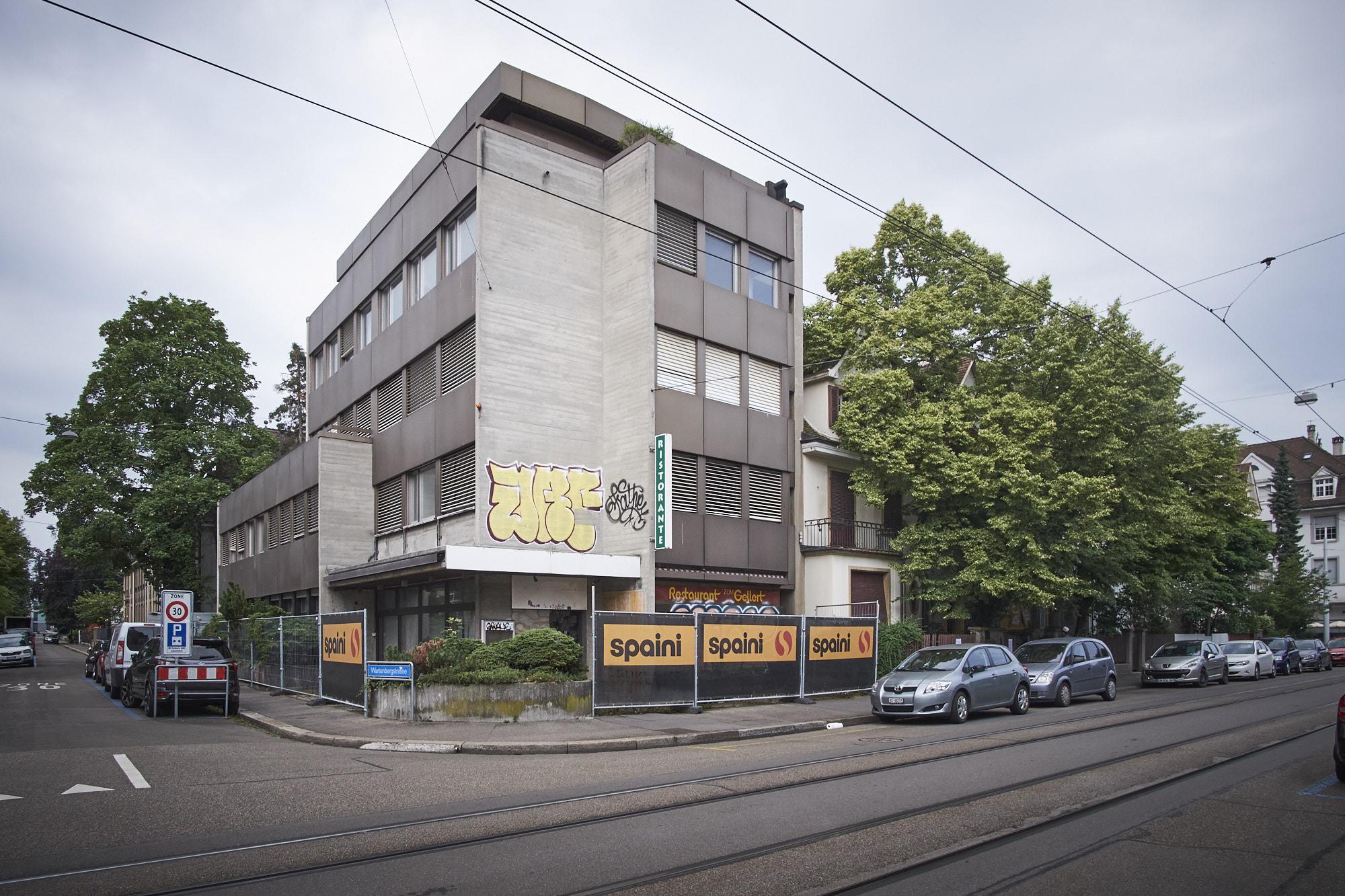 Das Eckhaus, plus die Liegenschaften daneben (Hardstrasse 112-116) sollen seit Mittwoch, 6. Juni wieder besetzt sein.