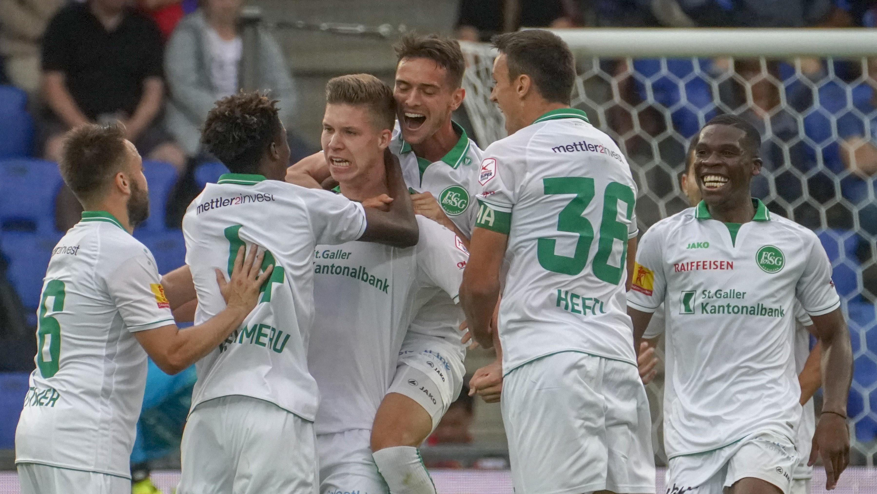 21.07.2018; Basel; FUSSBALL SUPER LEAGUE - FC Basel - FC St.Gallen;Cedric Itten (St.Gallen) jubelt nach dem Tor zum 0:1 mit