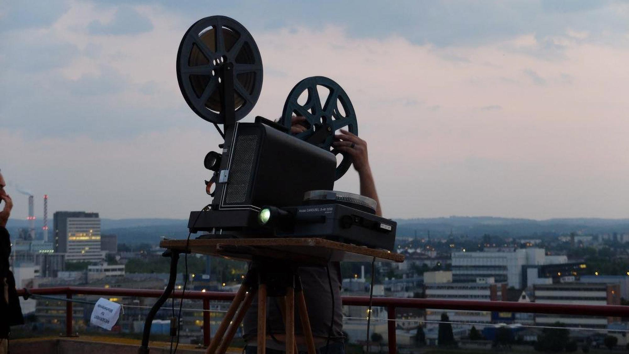 Draussen Filme schauen, ein absolut adäquates Kulturprogramm für die warmen Monate.