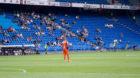 Einsam auf weitem Rasen: Das Cupspiel am Samstag fand vor fast leeren Tribünen statt.