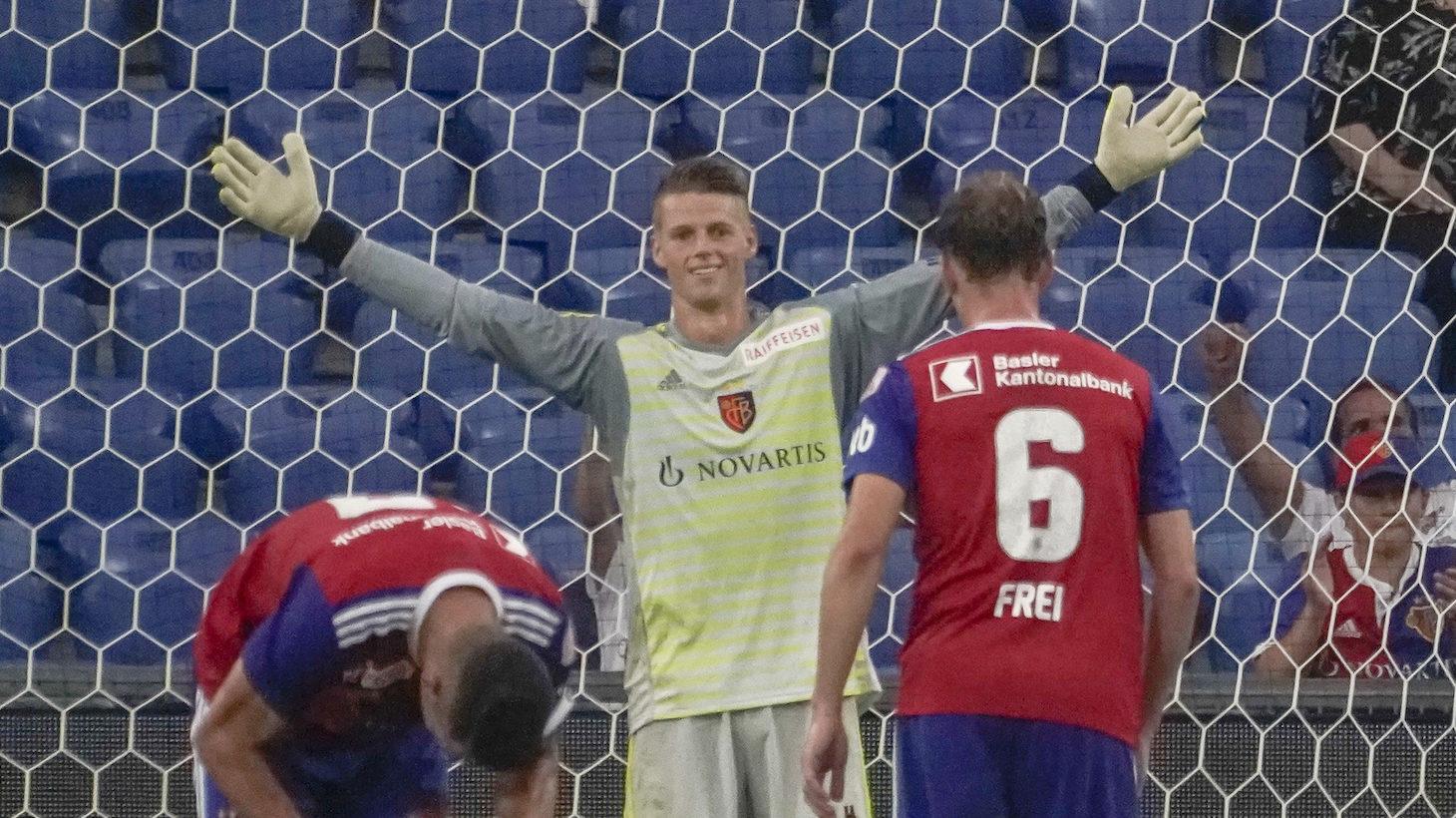 04.08.2018; Basel; FUSSBALL SUPER LEAGUE; FC Basel - Grasshopper Club Zuerich; Torhueter Jonas Omlin (Basel) jubelt nach Spi