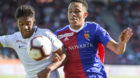 26.08.2018; Zuerich; Fussball Super League  - FC Zuerich - FC Basel; Kevin Rueegg (Zuerich) gegen Noah Okafor (Basel) (Daniel