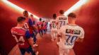 26.08.2018; Zuerich; FUSSBALL SUPER LEAGUE - FC Zuerich - FC Basel;Die Mannschaften auf dem Weg auf das Spielfeld (Andy Mue
