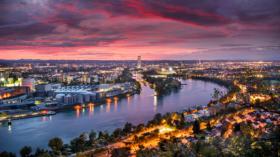 Der Denkmaltag führt dem Rhein entlang von Birsfelden nach Basel.