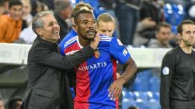 26.09.2018; Basel; FUSSBALL SUPER LEAGUE - FC Basel - FC Luzern;Trainer Marcel Koller und Geoffroy Serey Die (Basel) jubeln