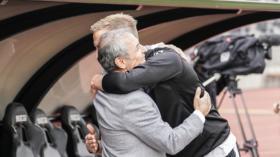 30.09.2018; Lugano; FUSSBALL SUPER LEAGUE - FC Lugano - FC Basel;Trainer Marcel Koller (Basel) Marc Janko (Lugano) begruesse