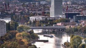 Die Schifffahrt auf dem Rhein ist wegen Niedrigwasser stark eingeschränkt.