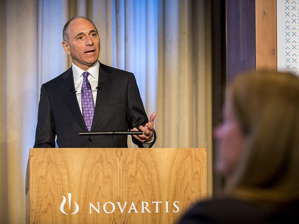 Das Novartis-Management um Konzernchef Joe Jimenez hat seine Erwartungen für die Augensparte Alcon, für die derzeit strateg