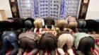 Gläubige beten am Tag der offenen Moschee der Bosnisch-Islamischen Gemeinschaft in St. Gallen: Fast alle zugewanderten Musli